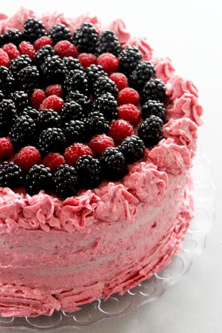 layer cake aux fruits rouges - blogs de cuisine